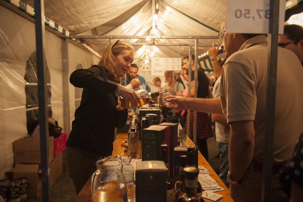 zoomer whisky rum festival